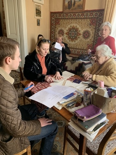 Registering seniors and people with disabilities at home in Lviv